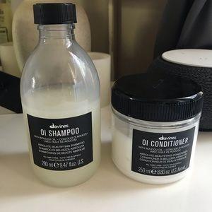 FLASH SALE Davines Oi Shampoo Conditioner set